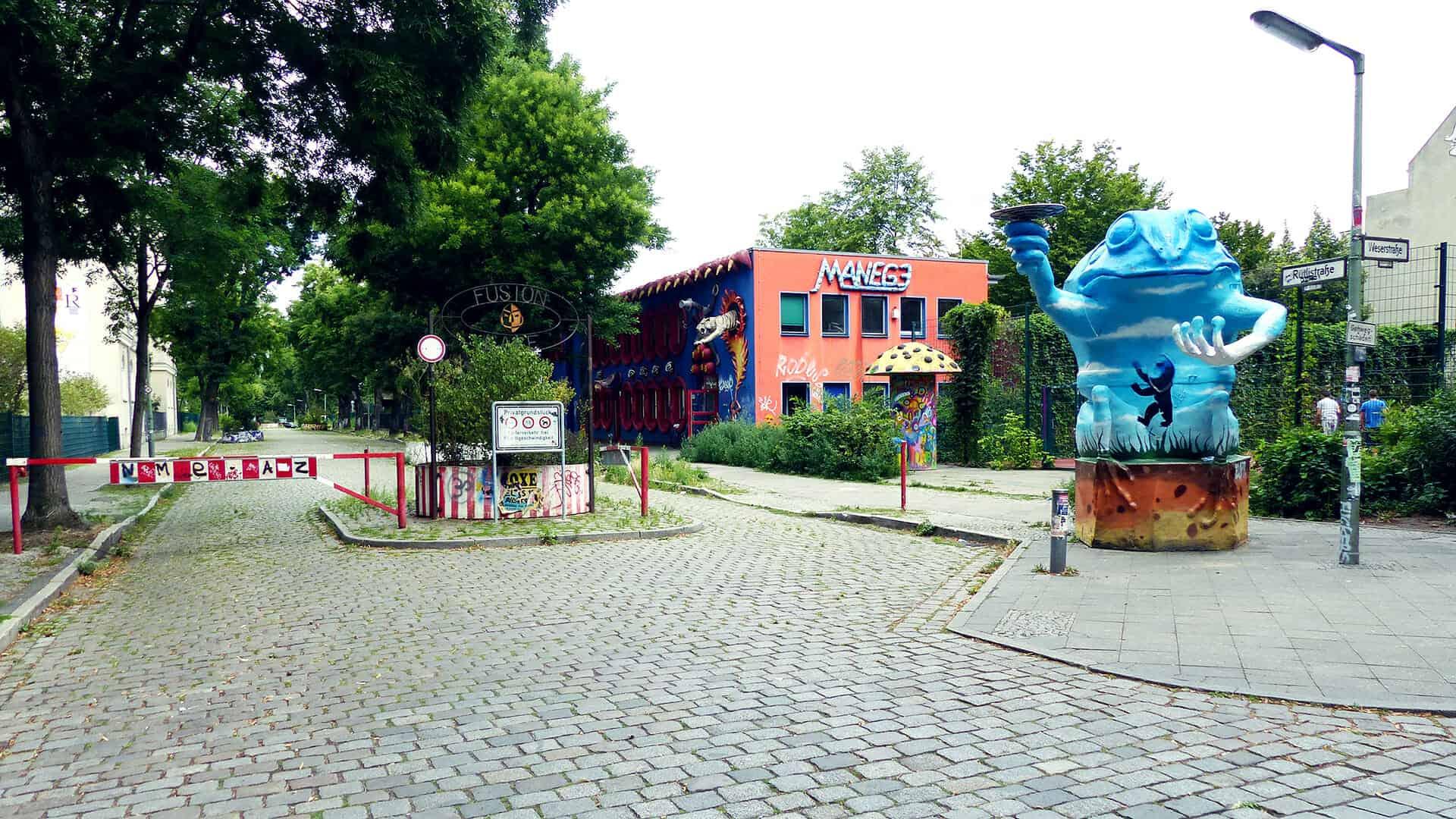 Eingang Campus Rütli, Stand 2016